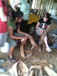 Weaving a basket to squeeze out the koka dye out of fau bark